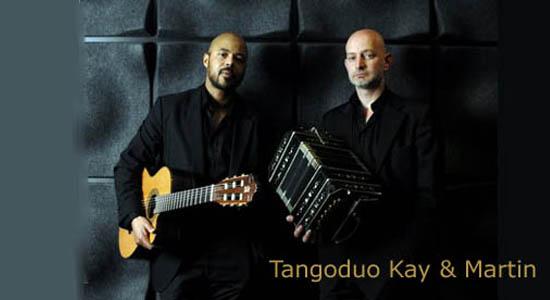 Tango gitarist Kay als duo met diverse uitstekende bandoneonisten