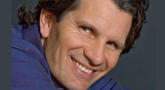 Dagvoorzitter / presentator / cabaretier Coen Jutte