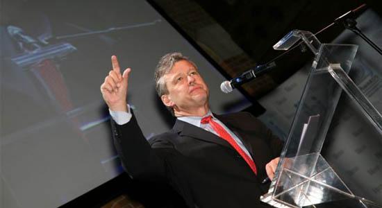 Dagvoorzitter, discussieleider en spreker Charles Groenhuijsen