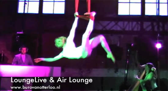 Air Lounge entree act