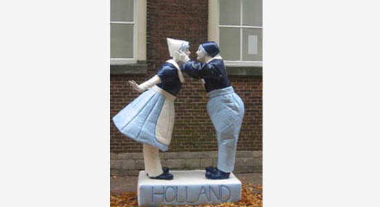 Delfts blauw standbeeld - hollands entertainment