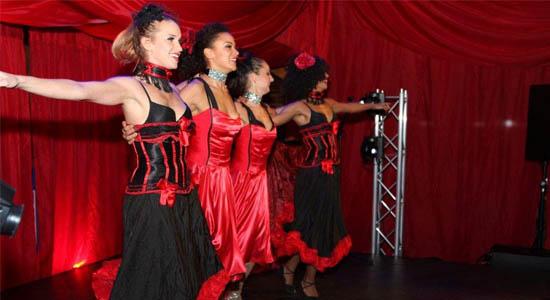 Showdanseressen Moulin Rouge