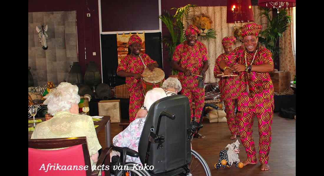 Afrikaanse muziek dans act van Koko