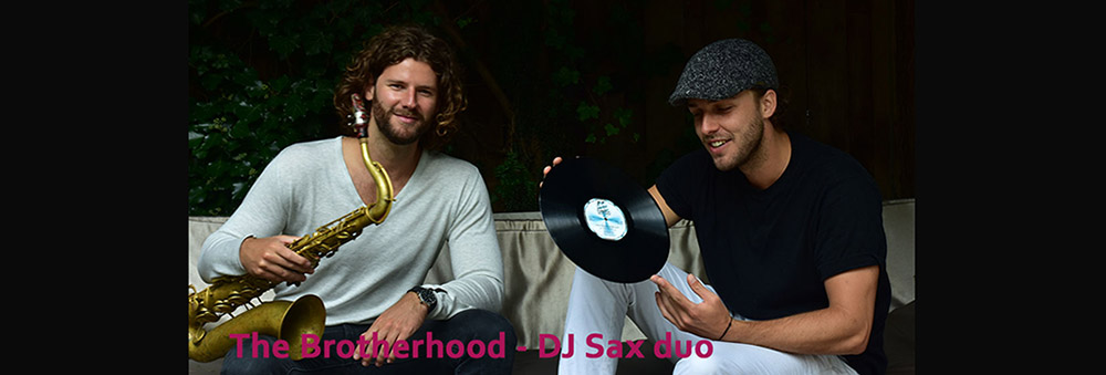 DJ saxofoon duo The Brotherhood